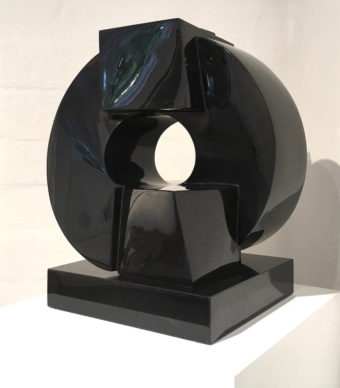 Jörg Plickat, Love Poem, 2017, schwarzer Granit, hochglanzpoliert, 53 x 45 x 35 cm